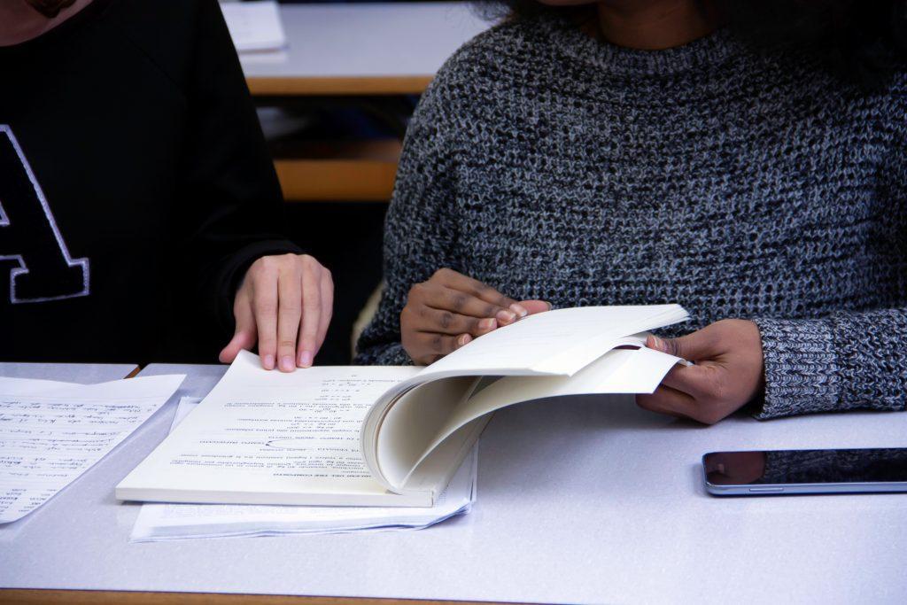 Comment réussir la rédaction d'un rapport de stage